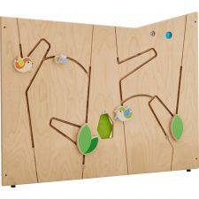 Scheidingswand met vogeltjes en een kijkgat erin. Geschikt voor de kinderopvang.